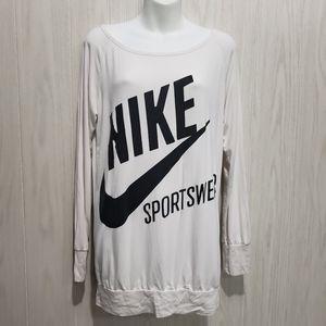 Women's Nike top size M